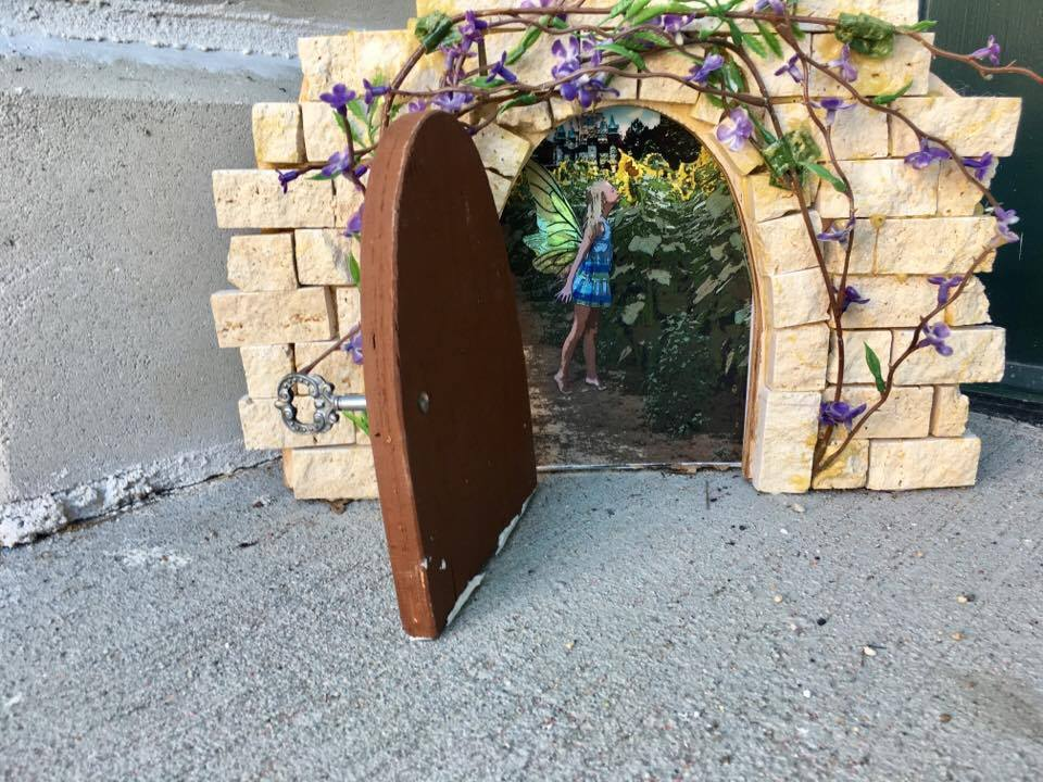 A Guide To Putnam S Fairy Doors Visit Ct