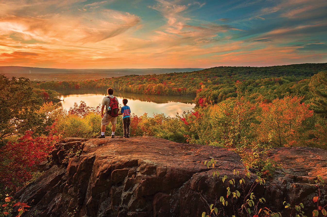 Connecticut 39 s top 10 hiking trails visit ct for Asian cuisine mohegan lake