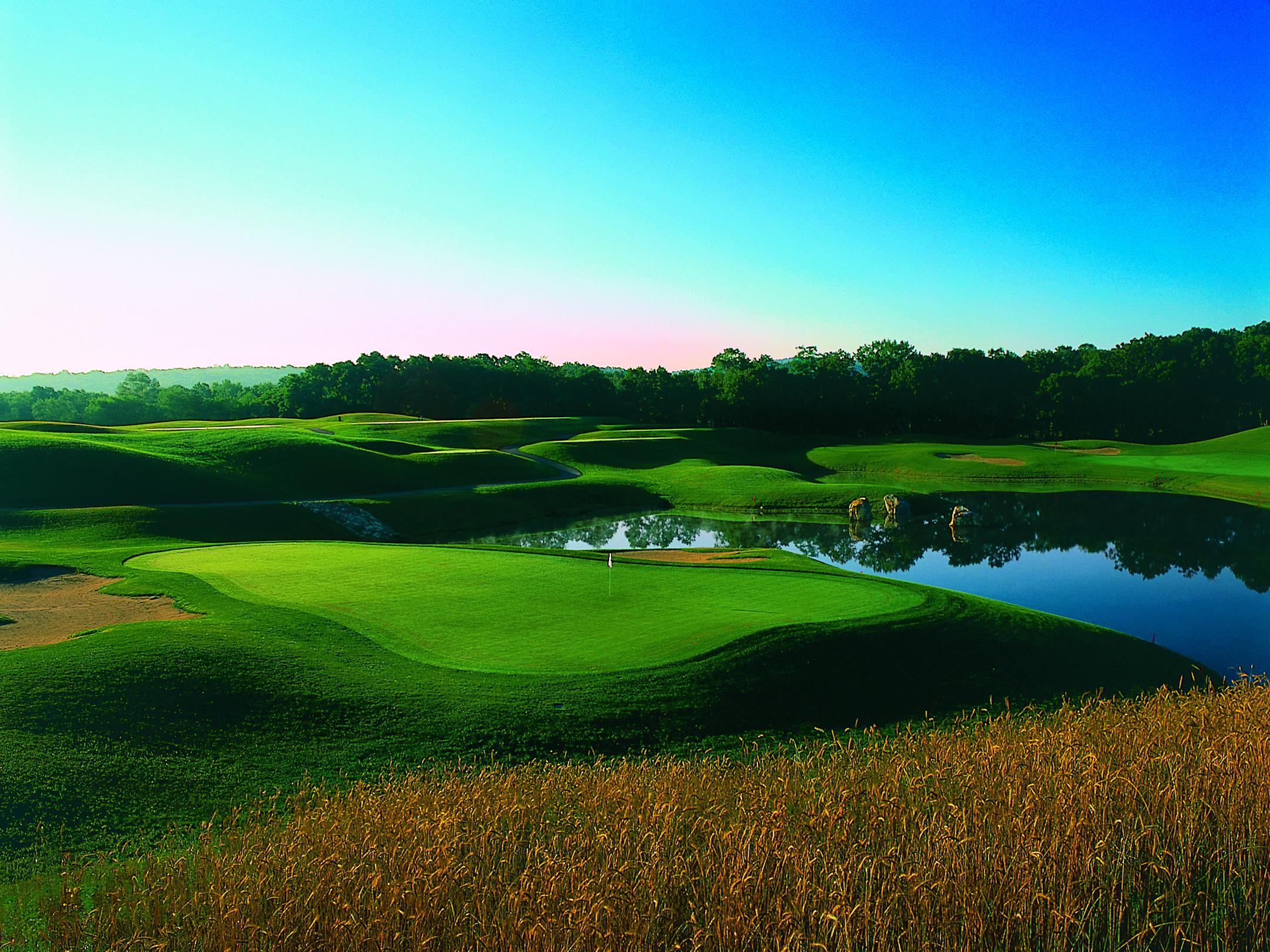 connecticut casino golf courses