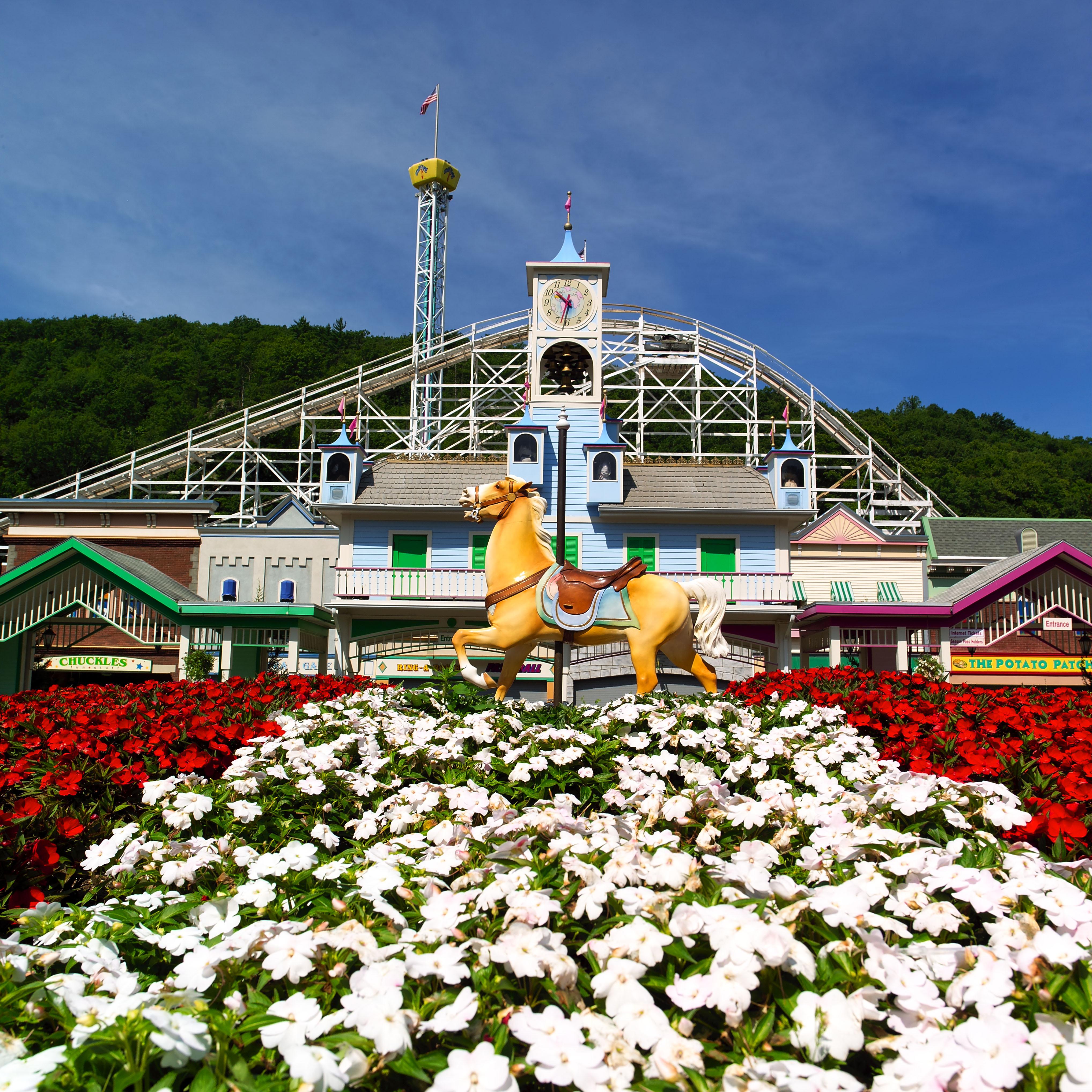 Lake compounce theme park visit ct for Asian cuisine mohegan lake